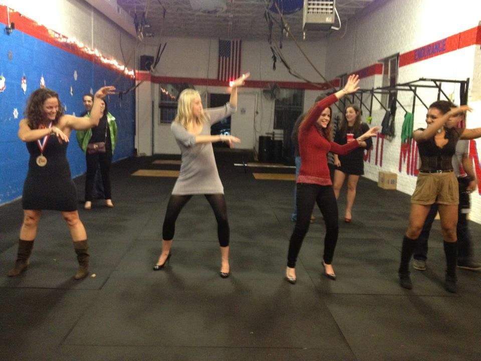 WED 12.12.12 Holiday Training Packages w Lindsay