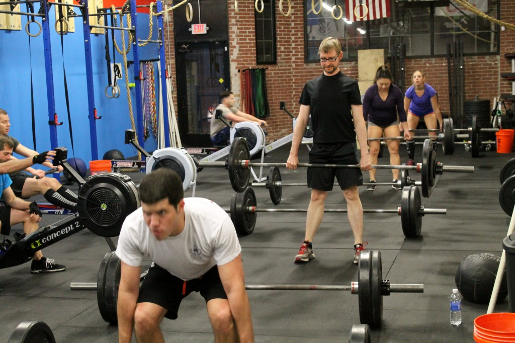 7pm class lined up for deadlift